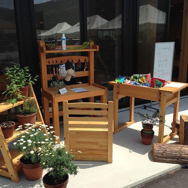 木育カフェ林業ビジネスセンターにて、カフェ、木育ひろば、ハンドメイド雑貨販売してます(^^) #木育#カフェ#ハンドメイド#雑貨#子供#木のおもちゃ#晩茶#晩チャイ#KUKUテーブルセット #サップ