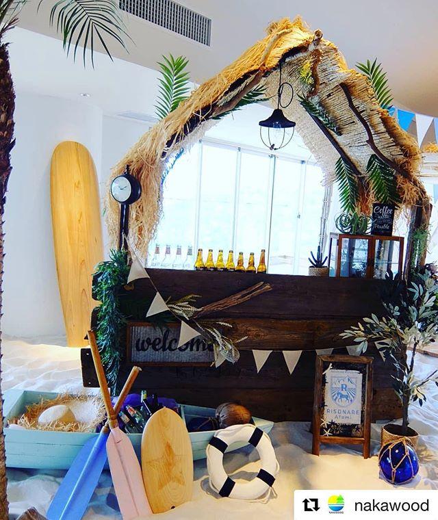 星野リゾートさんに木頭杉のサーフボードをディスプレイ頂きました(^^)