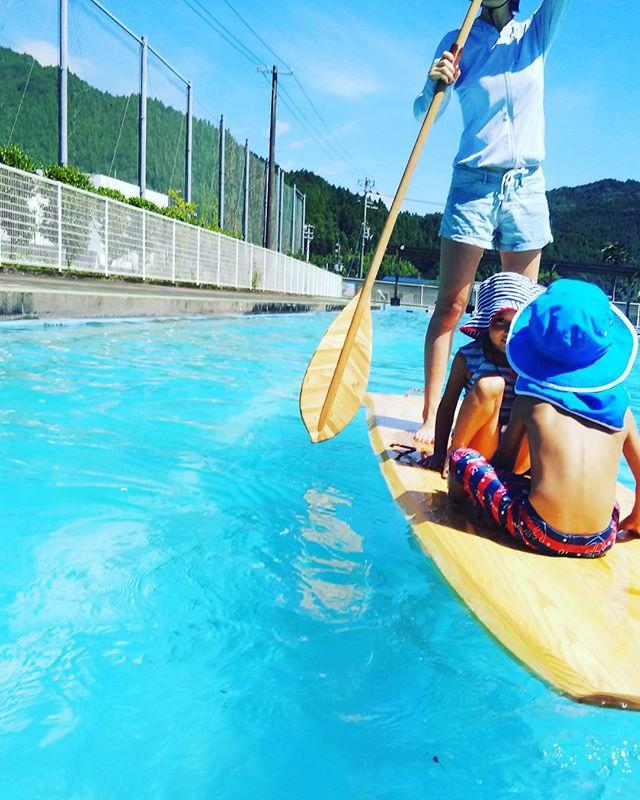 kukuサップ体験会では、親子一緒に楽しめるプログラムです!夏を最後まで満喫しましょうね〜#ウッドボードkuku #木頭杉#サップ#子供#夏#プール#思い出#那賀町#鷲敷@nakawood