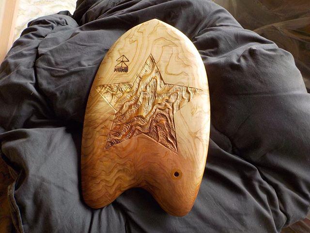 kukuハンドプレーン木頭杉の杢板から製作した一点物。#ウッドボードkuku #木頭杉#杢板#木目#ハンドプレーン#handplane @nakawood
