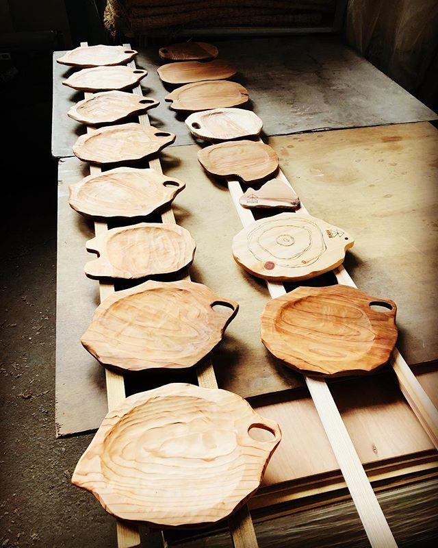 木頭杉の特性を活かした NEW KUKUプレートの試作品。#ウッドボードkuku #木頭杉#杢目#皿#木の皿#一点物 #plate @nakawood