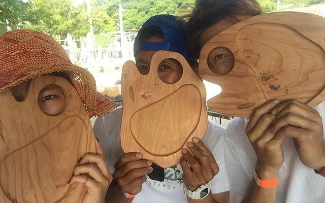 #逗子BBQ役100名参加のビーチBBQにKUKUプレートを使ってもらいました!#ウッドボードkuku #woodboardkuku #木頭杉 #bbq @nakawood