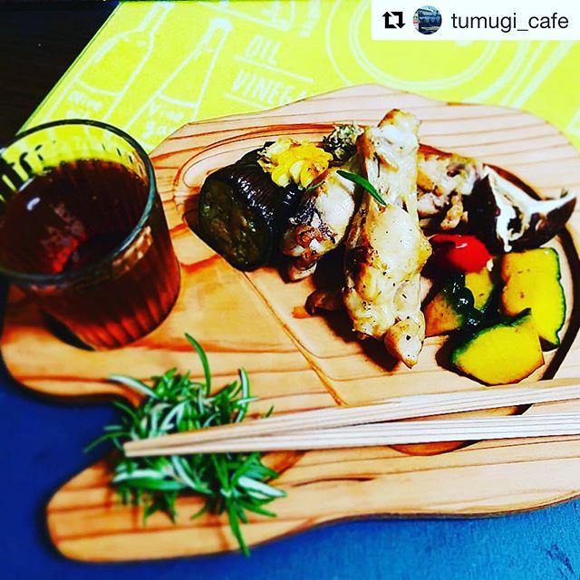 #Repost @tumugi_cafe with @get_repost徳島つむぎカフェさんにもKUKU BBQプレートを使って頂きました!徳島の食材にこだわり、旬の食材でステキな料理を作ってくれますよー。是非食べてみてくださいね〜#woodboardkuku #ウッドボードkuku #木頭杉 #徳島#KUKUプレート#bbq プレート#立食@tumugi_cafe