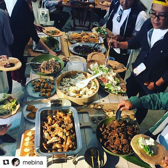 #Repost @mebina with @get_repost・・・那賀町の食材を手配し、東京でのイベントで料理してもらいました。今回送った野菜、小豆、米は、無農薬無化学肥料栽培のもの。また野生の鹿肉。種まく人たちと食材を通して少しずつつながる… 今できる1つの事かな、と。I arranged the local ingredients in Naka-town for yesterday's event in Tokyo. Veggies, beans, rices...all grown organically. Wild deer meat was also cooked nicely.@woodboardkuku #那賀町 #たねまくひと #無農薬無化学肥料栽培 #食 #organicingredients #whodoesntliketastyfood #きさわむら #いづりは #ちこもち