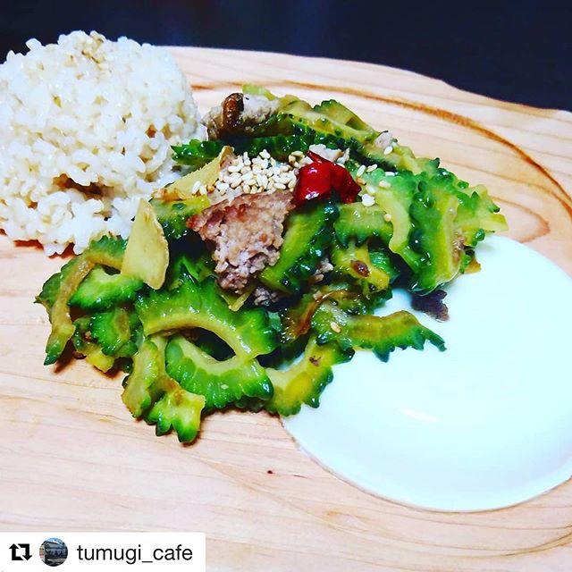 いつも徳島の素材にこだわり美味しそうな料理をKUKUプレートに盛り付けてくれてます!つむぎカフェ 大杉まやさん@tumugi_cafe 彼女のトークも絶品(^^) #woodboardkuku#ウッドボードkuku #木頭杉#kukuプレート #kukuパーティープレート #kukubbqプレート @nakawood