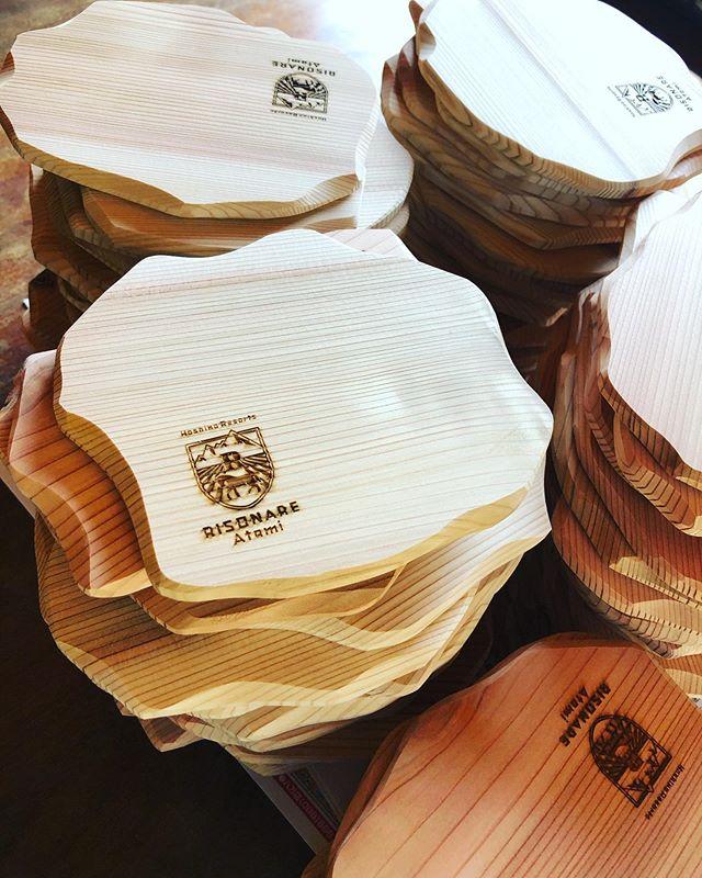 KUKUコースターオリジナルロゴ入りバージョンのオーダーも承っております!#woodboardkuku#木頭杉 #コースター#woodcoaster#自然オイル塗装 @nakawood @rnratami
