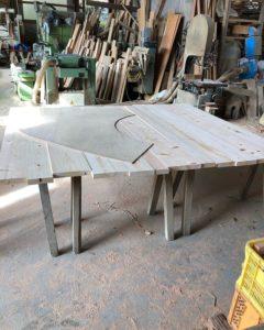 ヨンロッパ食堂のテーブルを那賀町産ヒノキを使って製作開始