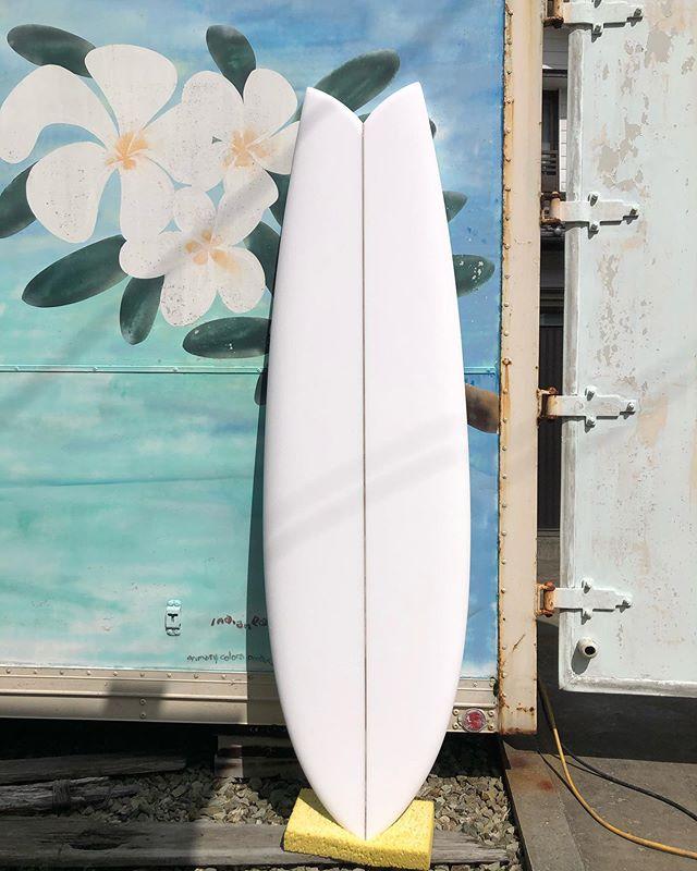 ILFARO surf board木頭杉ストリンガーのボードをシェイプしました!