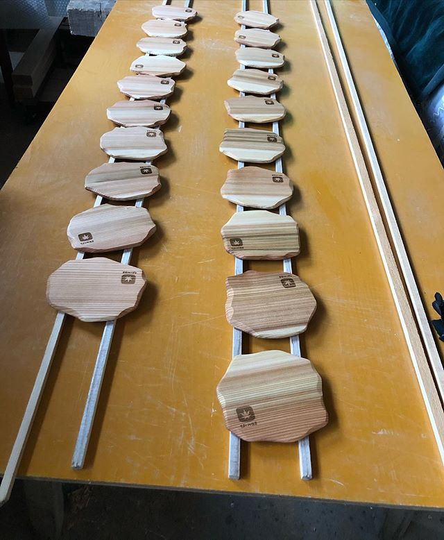 KUKU コースターコラボコースターシリーズ。ロゴマークをレーザー加工できます。#woodboardkuku #木頭杉#wood#coster #コースター@woodboardkuku @nakawood