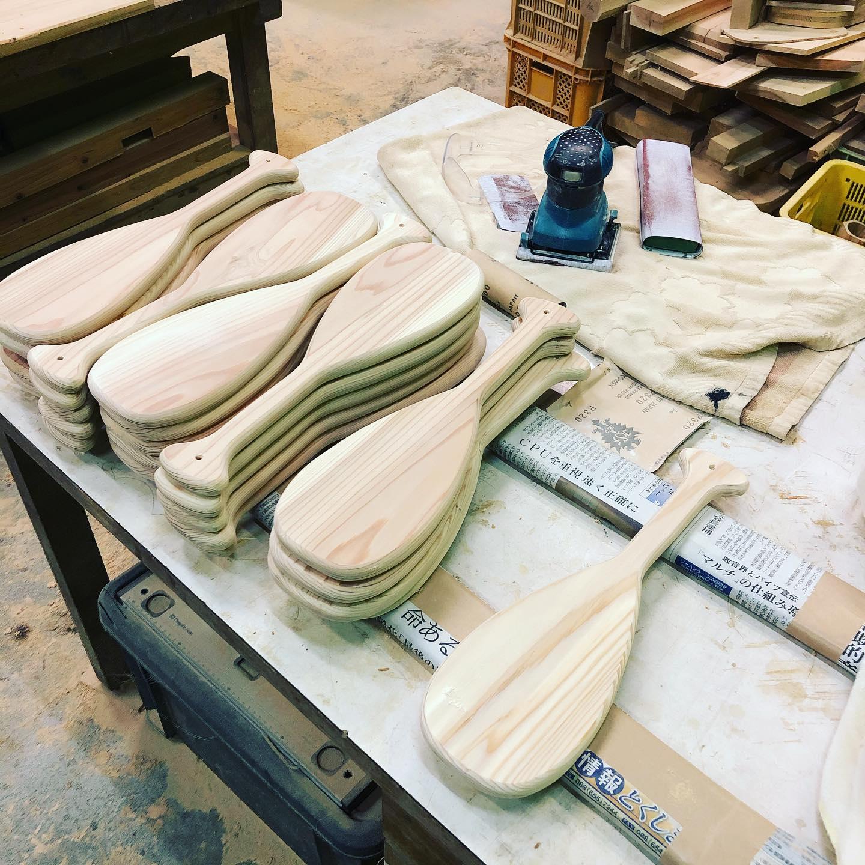 wood paddleパドル型ウッドトロフィー製作中!